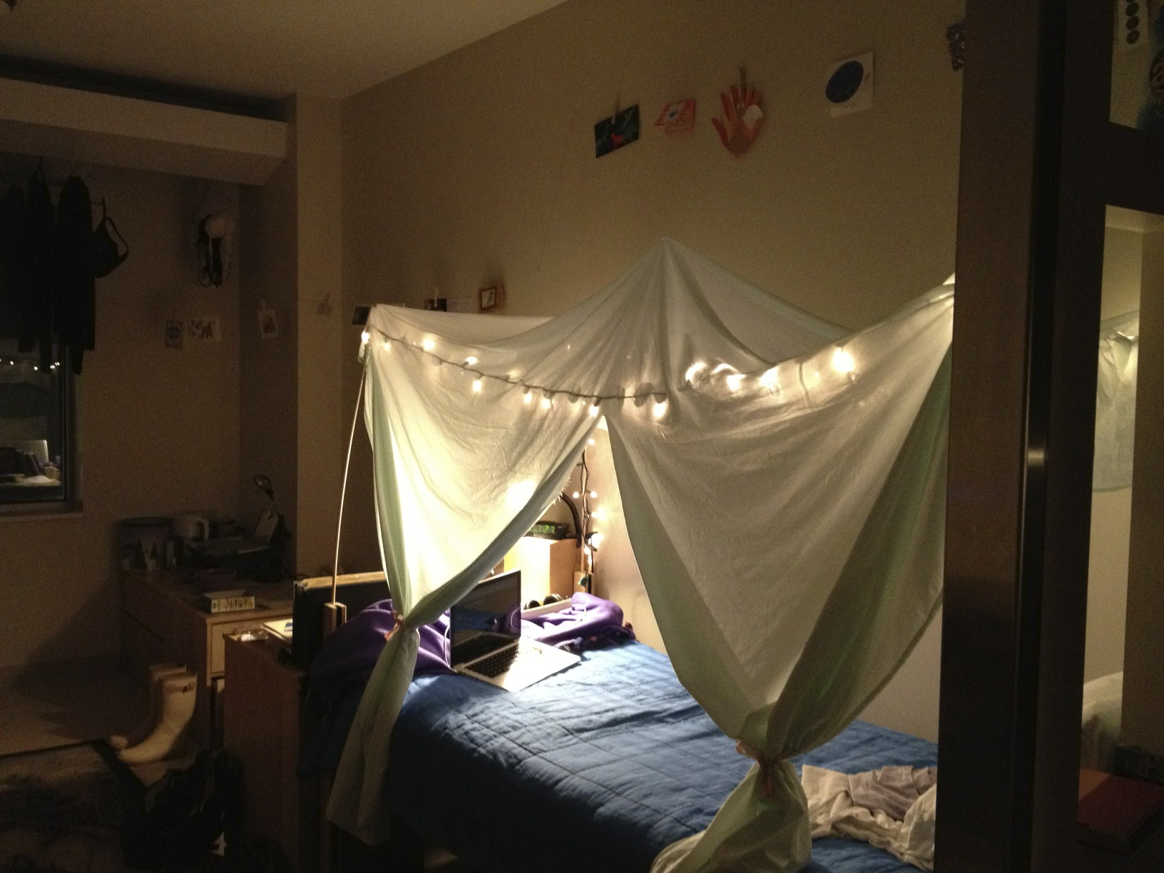 Diy bed canopy dorm - This