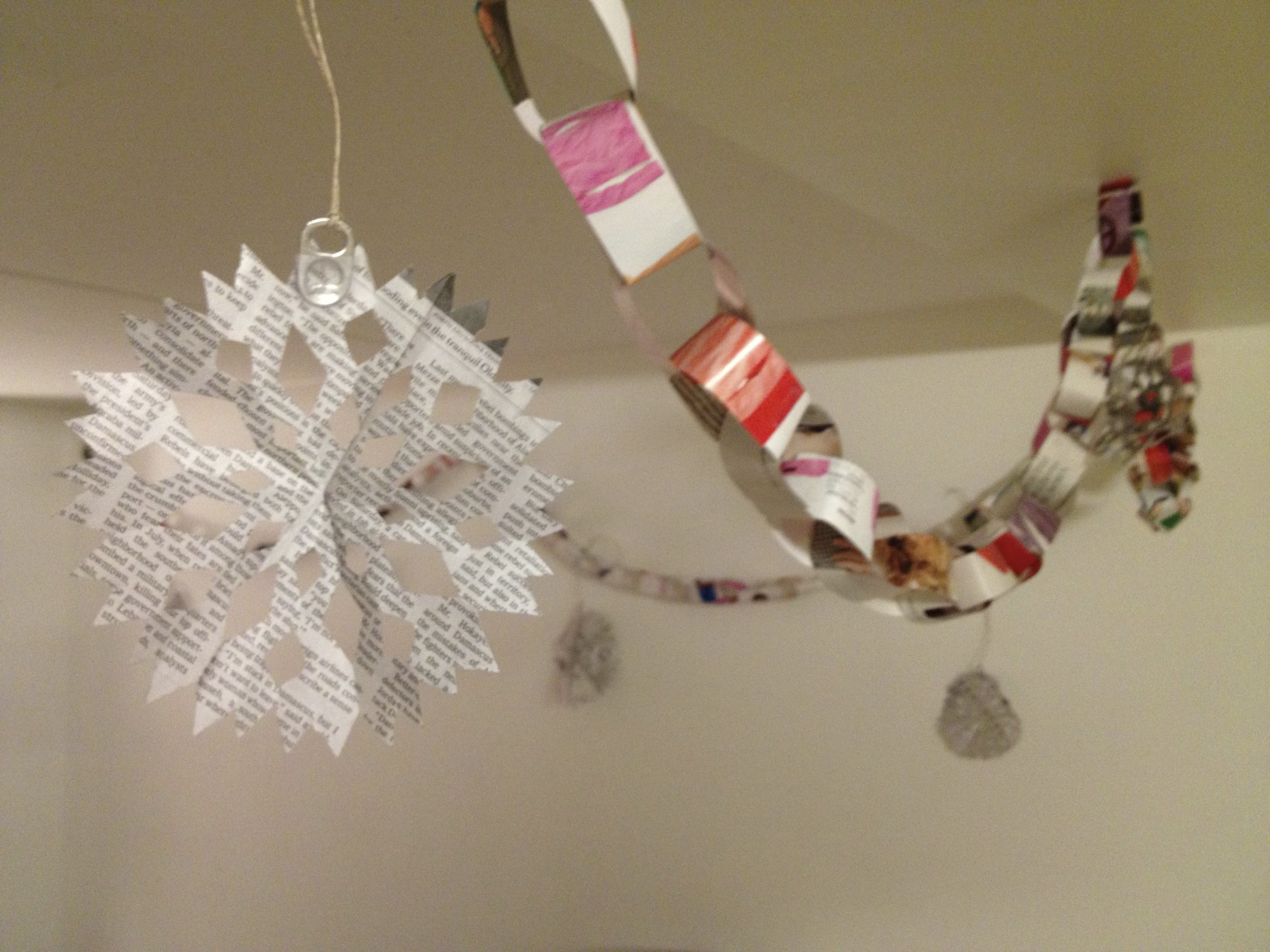recycle christmas decorations - College Christmas Decorations